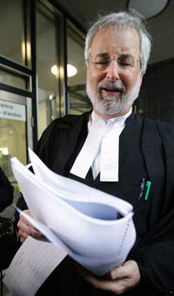 Peter Jacobsen one of Canada's top experts on libel and defamtion advised CTVglobemedia to settle out of court with Michael Moniz, for an estimated $25,000 for falsely libeling him and defaming his genuine Morrisseau paintings as fakes.