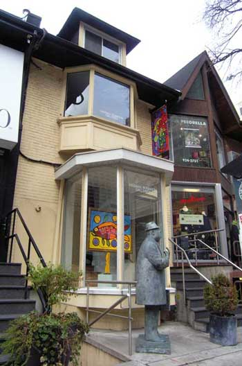 "For 17 long and trying years, since Donald Robinson first ever heard of him, in 1997, Ritchie Sinclair has spectacularly failed to get a show for his art at Toronto's Robinson Family owned-and-operated, Kinsman Robinson Galleries. The reason is simple: just like everyone else in the Canadian fine art market,  Robinson, the man Sinclair calls, ""My Mentor."" knows he can't sell imitation Indian art by a white Indian imposter/impersonator, but has channelled him into more useful work as a KRG ""enforcer"" to attack KRG business competitors, as selling Morrisseau forgeries."